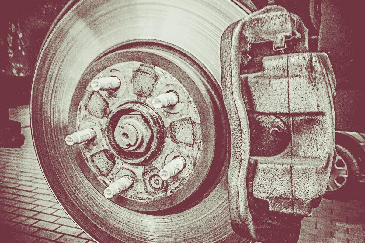Comandella | Bremsscheiben & Bremsklötze tauschen